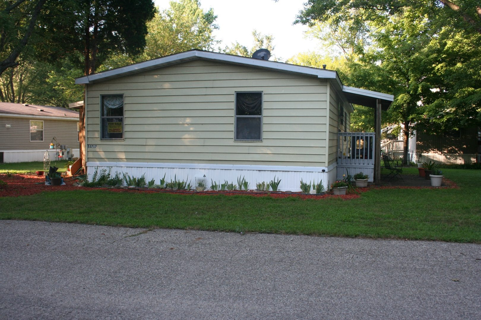 3 Bedroom mobile home for sale near Kalamazoo MI in West Point Hills.