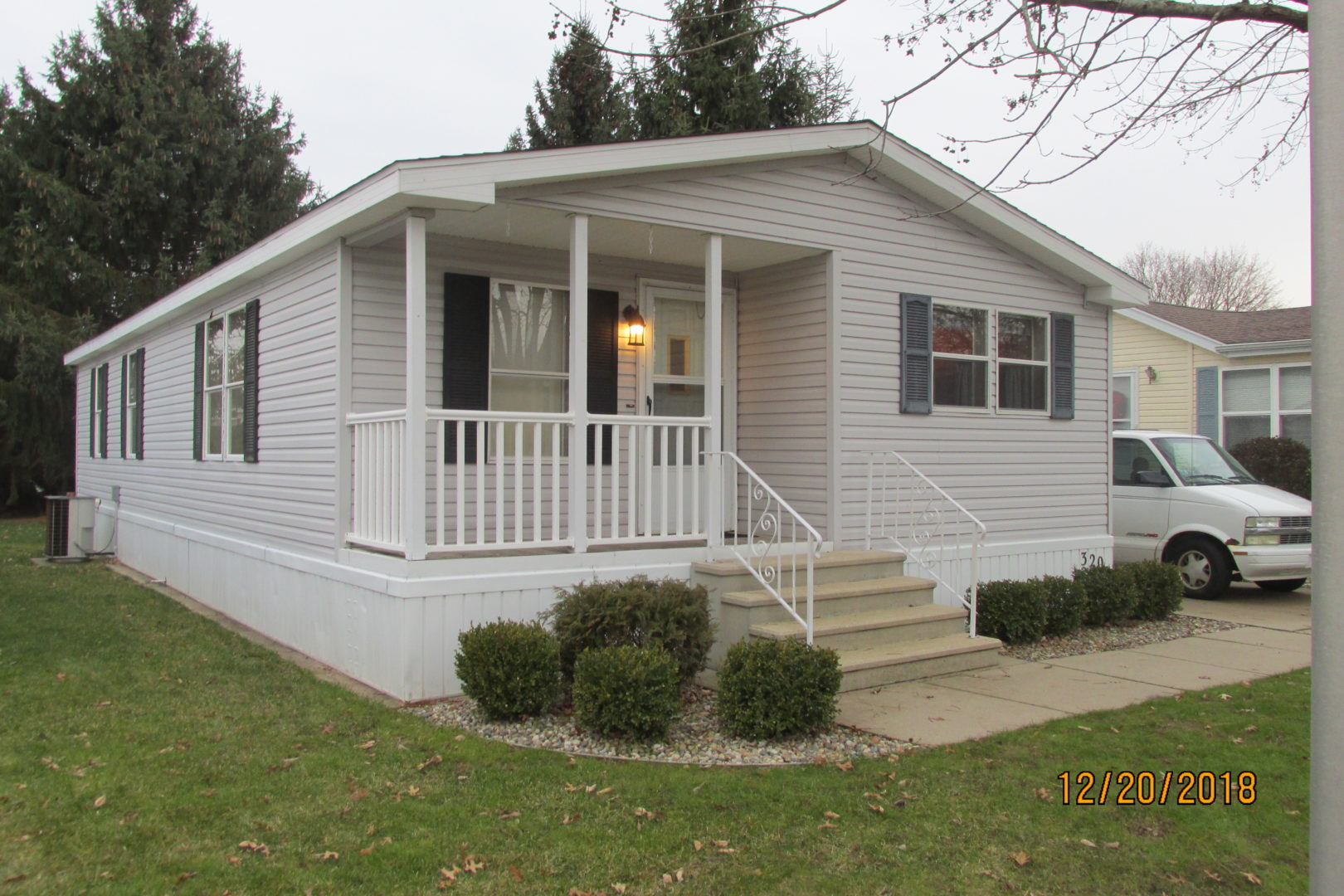 Pristine 2 bedroom mobile home
